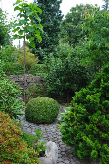 AT HAVE EN HAVE | af Niels Skjøldberg, specialist i Rhododendron